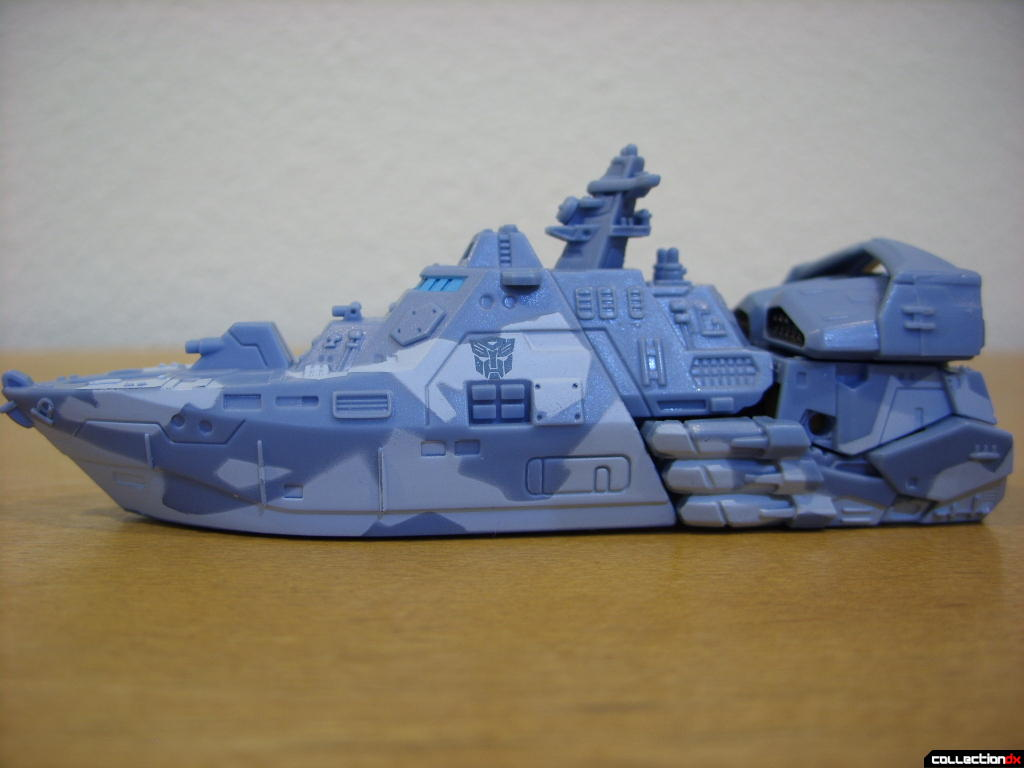 RotF Scout-class Autobot Depthcharge- vehicle mode (left profile)