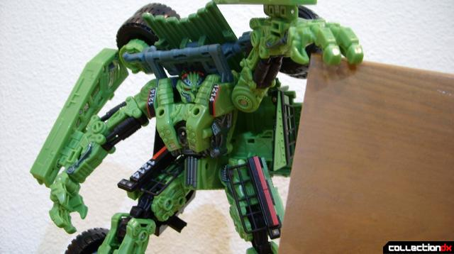 RotF Voyager-class Decepticon Long Haul- robot mode posed (3)