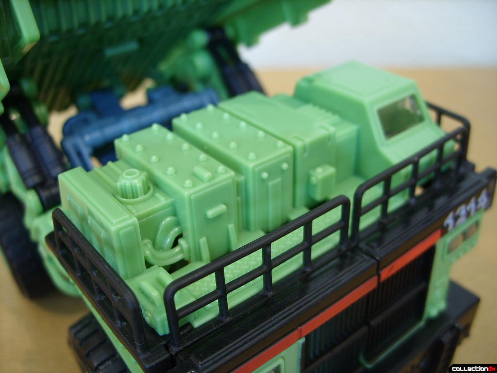 RotF Voyager-class Decepticon Long Haul- vehicle mode (upper detail)
