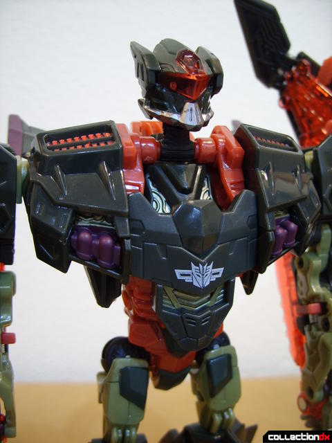 RotF Voyager-class Mindwipe- robot mode (torso, front)