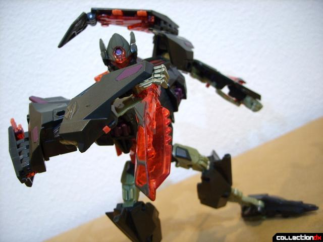 RotF Voyager-class Mindwipe- robot mode posed (1)
