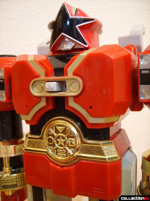 Deluxe Red Battlezord (torso, front)