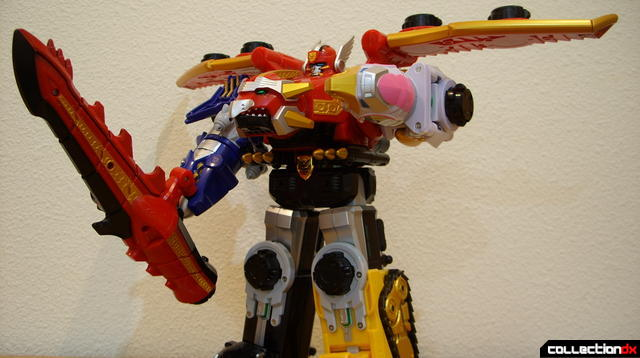 DX Tensou Gattai Gosei Great posed with Dragon Sword