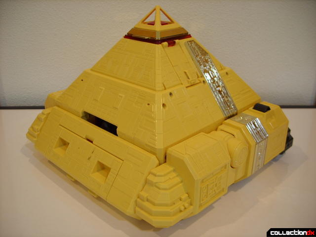 Deluxe Pyramidas The Carrier Zord- Pyramid Mode (back)