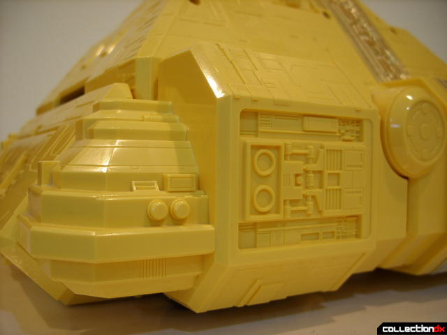 Deluxe Pyramidas The Carrier Zord- Pyramid Mode, surface detailing (5)