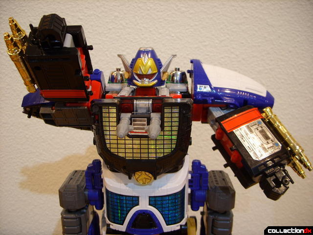 Lightspeed Solarzord (arms posed)