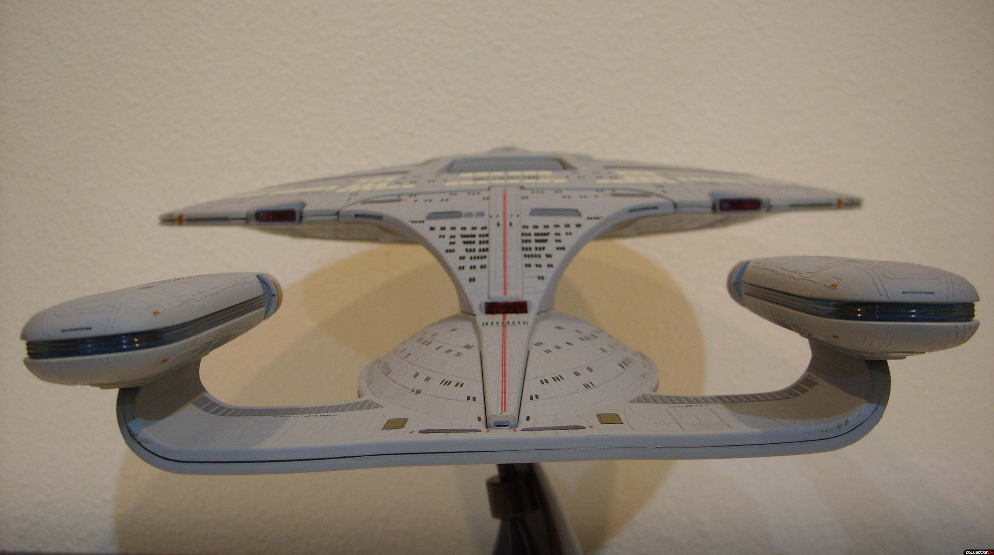 Starship Legends U.S.S. Enterprise-D (aft profile)