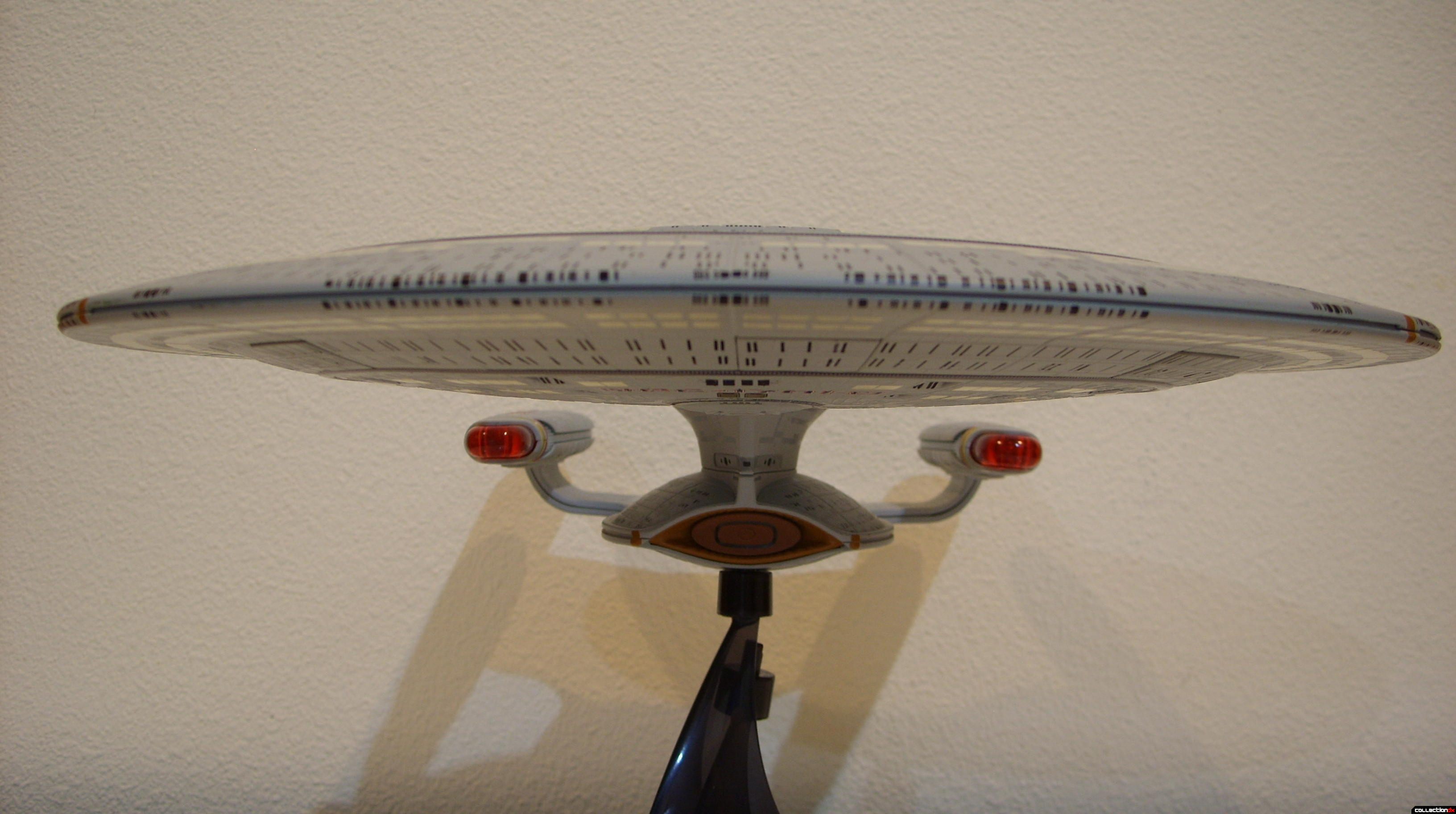Starship Legends U.S.S. Enterprise-D (forward profile)
