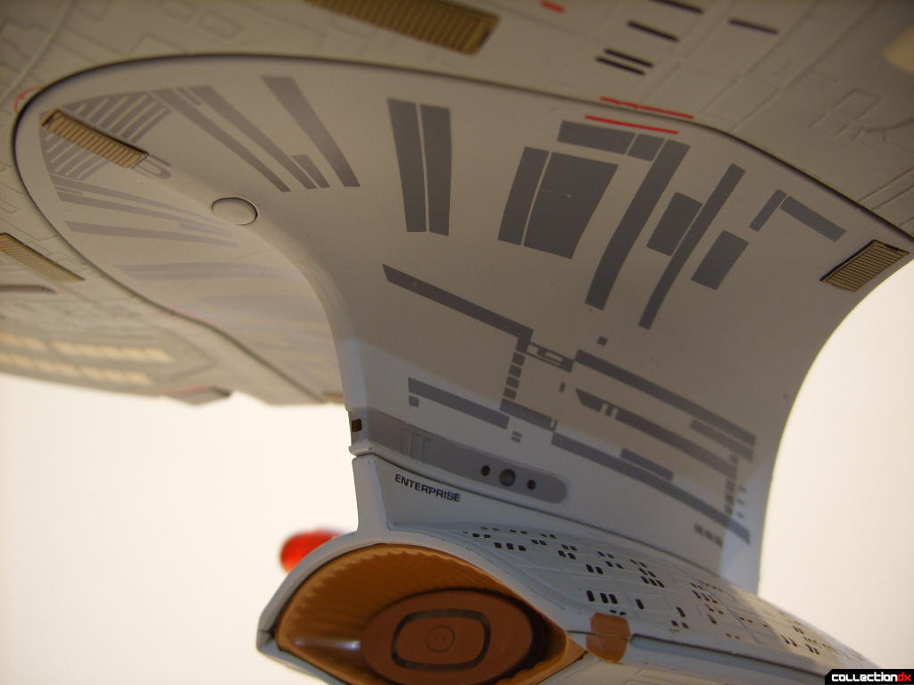 Starship Legends U.S.S. Enterprise-D (neck, forward-port)