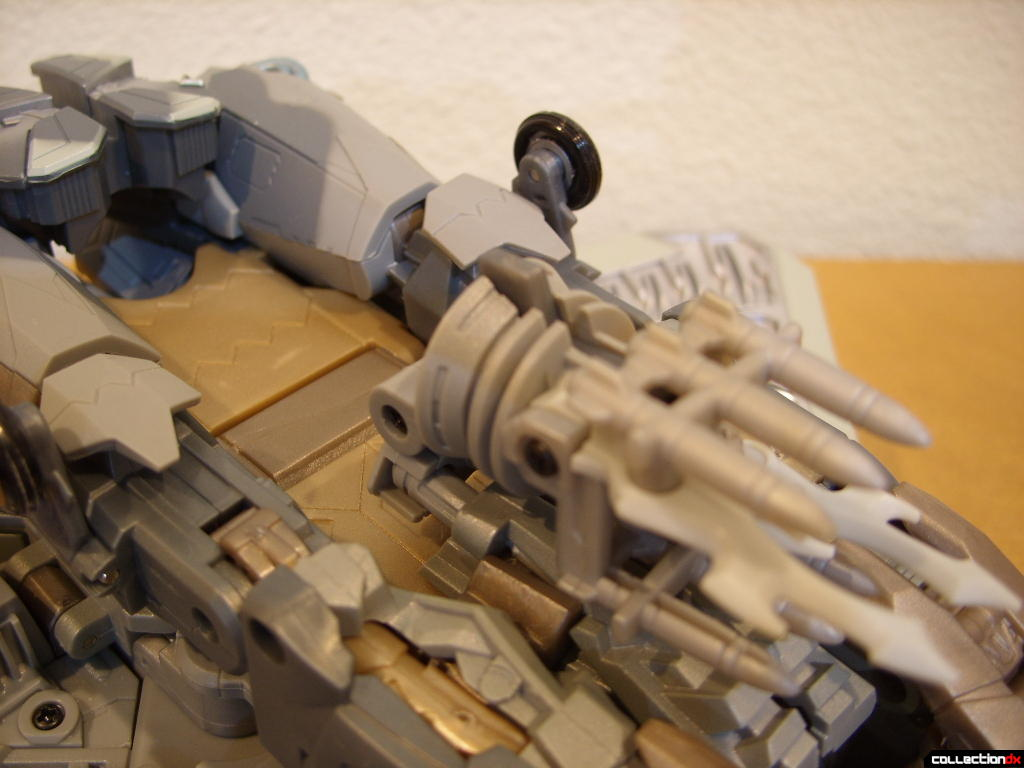 Masterpeice Movie Series Starscream- Vehicle Mode (missile launcher)(3)