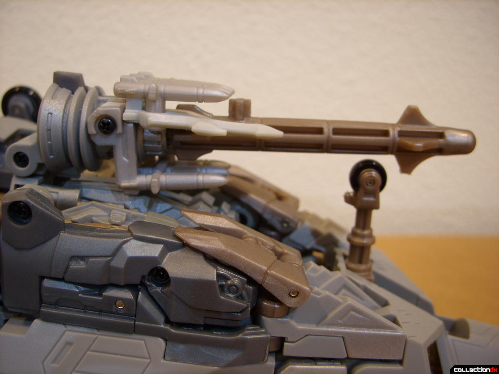 Masterpeice Movie Series Starscream- Vehicle Mode (missile launcher)(4)