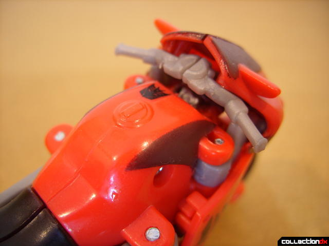 Windy City Chase set- Decepticon Trenchmouth, Vehicle Mode (handlebar detail)