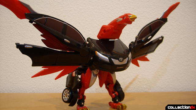 Engine King Eagle Zord- Zord Mode posed dramatically