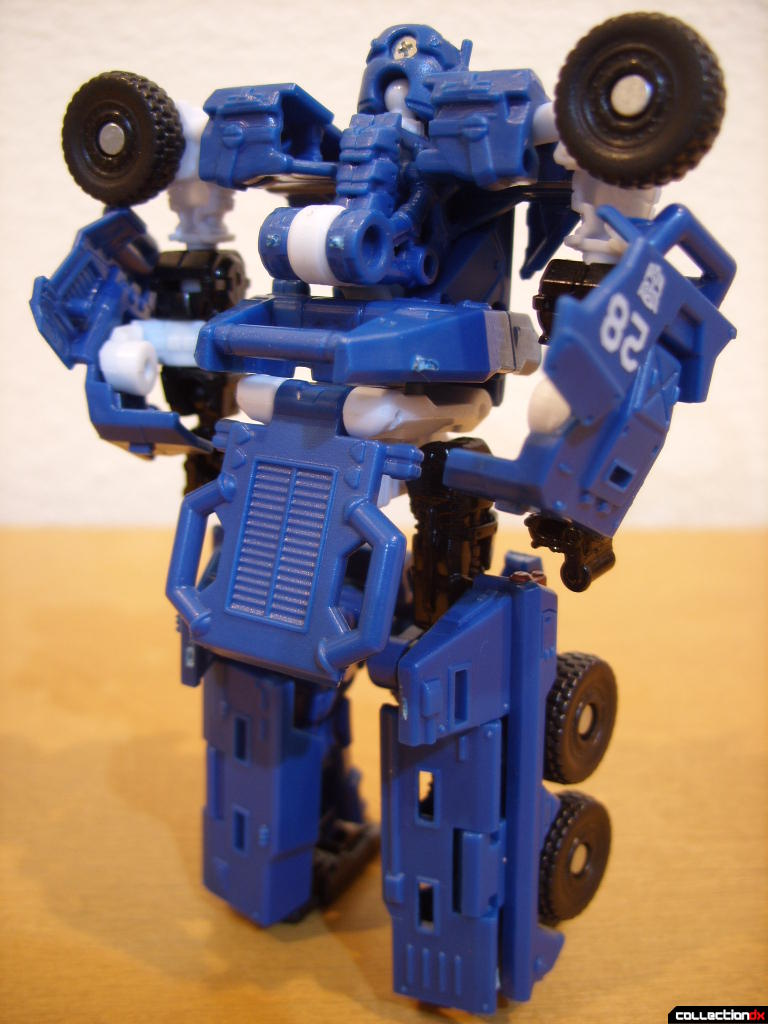 Scout-class Autobot Breacher- Robot Mode (back)