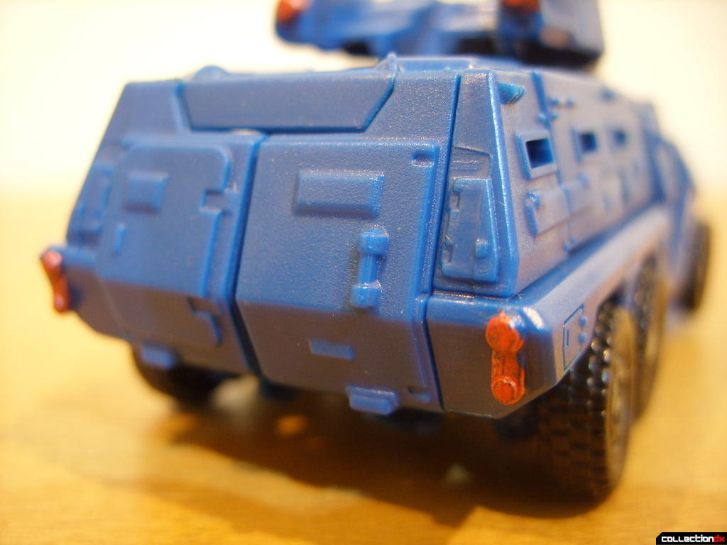 Scout-class Autobot Breacher- Vehicle Mode (back detail)