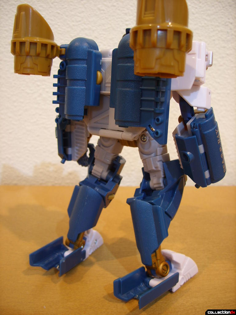 Voyager-class Autobot Sea Spray- robot mode (back)