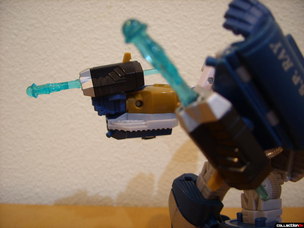 Voyager-class Autobot Sea Spray- robot mode (harpoon launchers fit into either hands or under forearm holes)