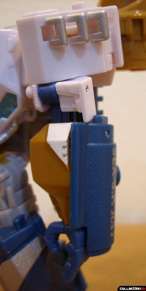 Voyager-class Autobot Sea Spray- robot mode (left arm)