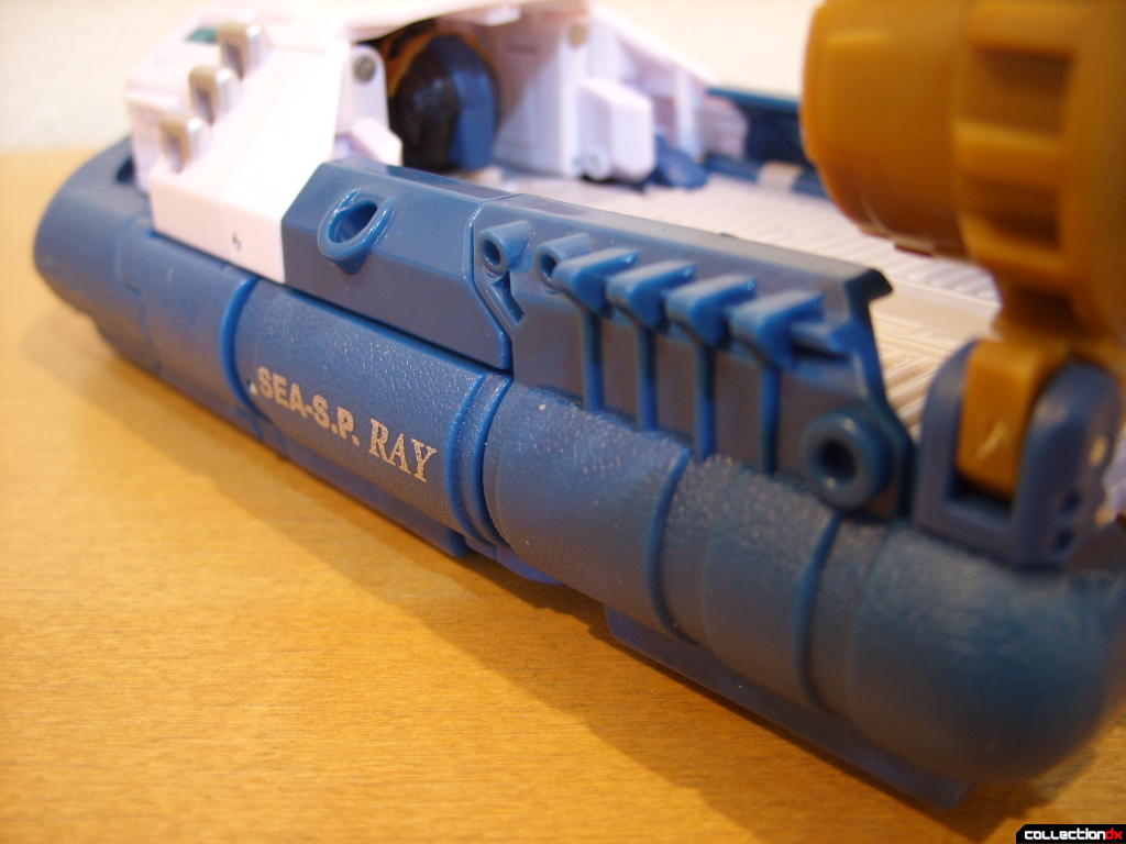 Voyager-class Autobot Sea Spray- vehicle mode (detail of skirt, port side)