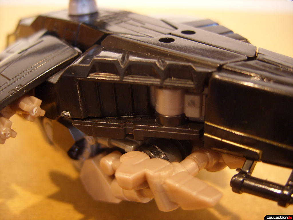 Deluxe-class Autobot Tomahawk- vehicle mode (fuselage, back)