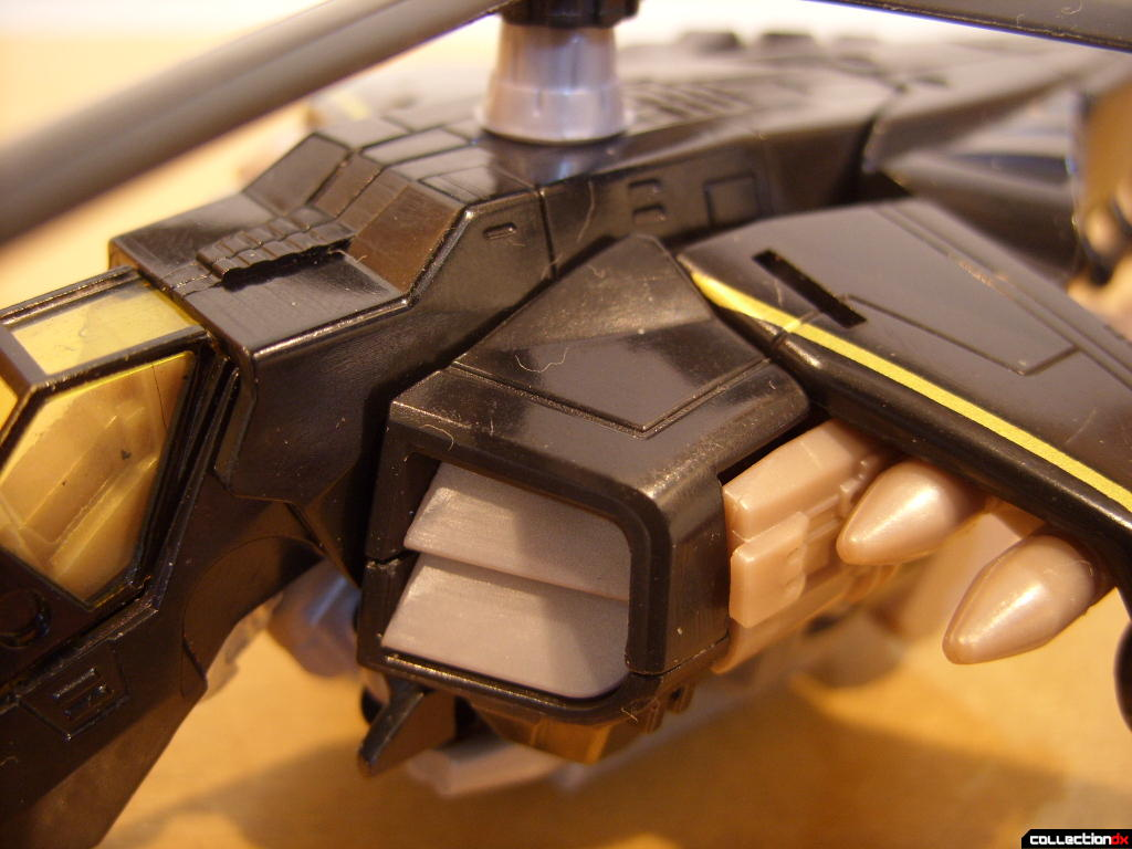 Deluxe-class Autobot Tomahawk- vehicle mode (fuselage, front)
