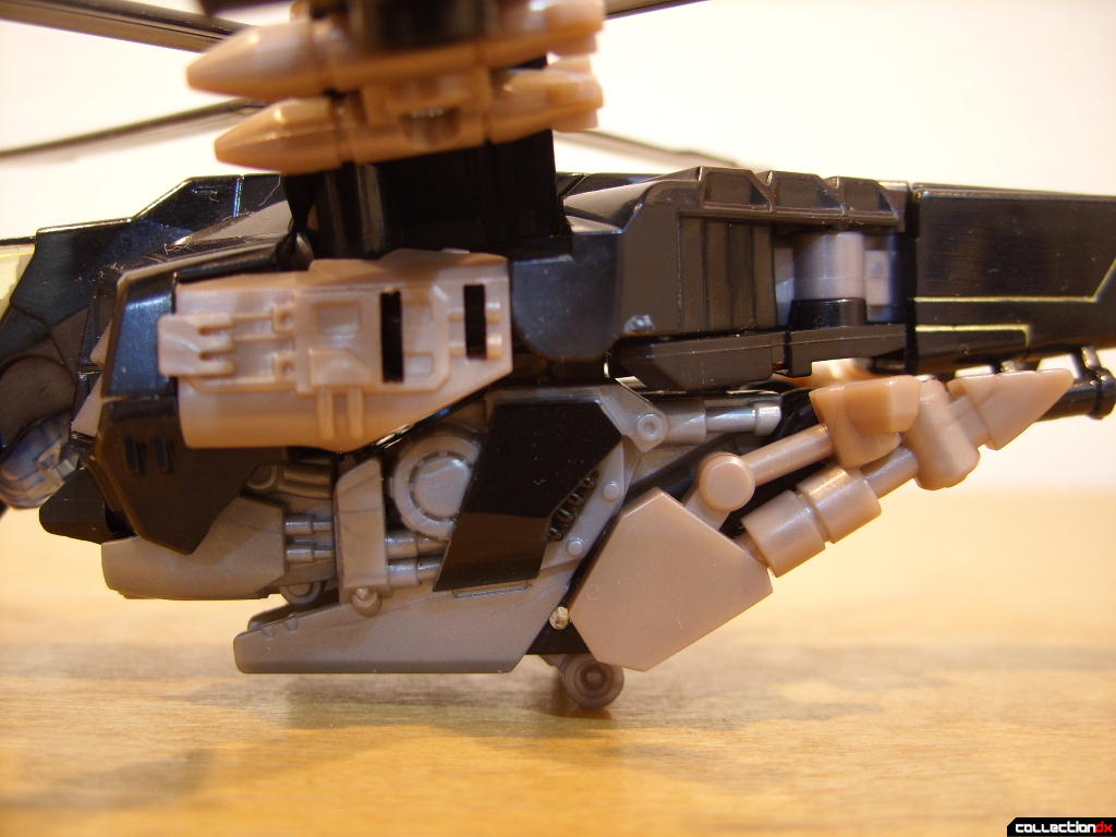 Deluxe-class Autobot Tomahawk- vehicle mode (fuselage, left profile)