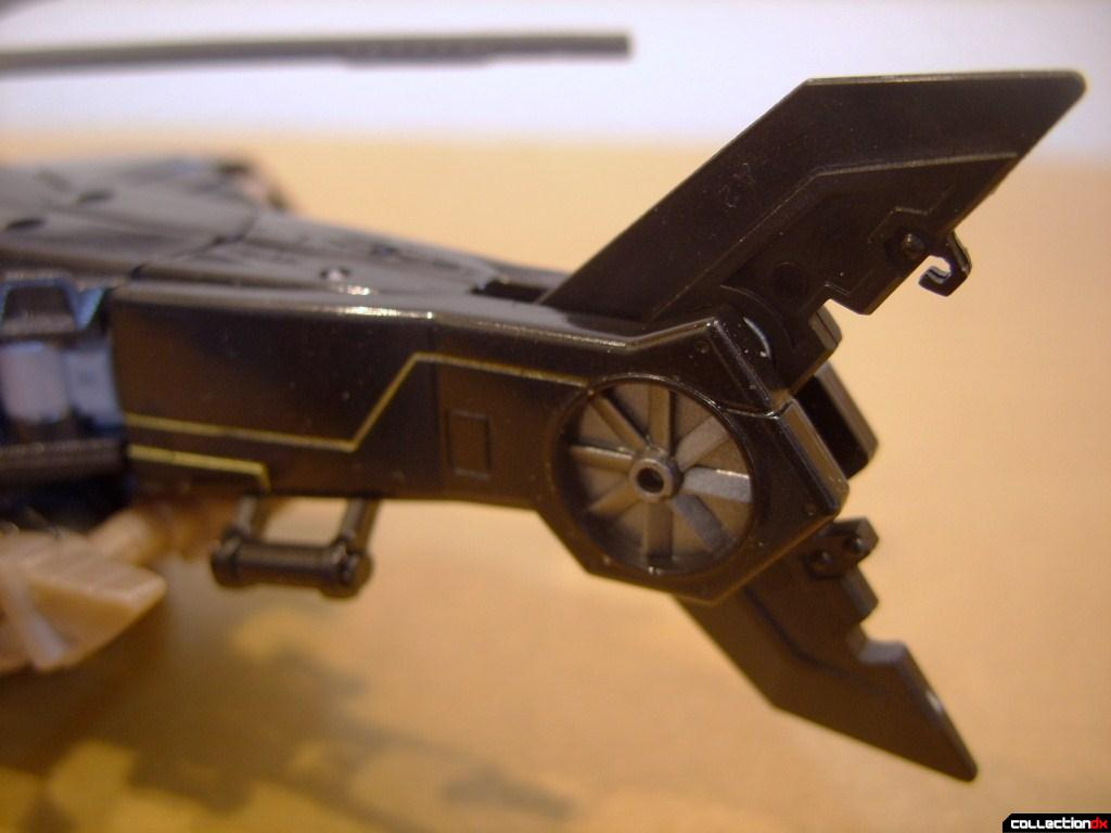 Deluxe-class Autobot Tomahawk- vehicle mode (tail, left side)