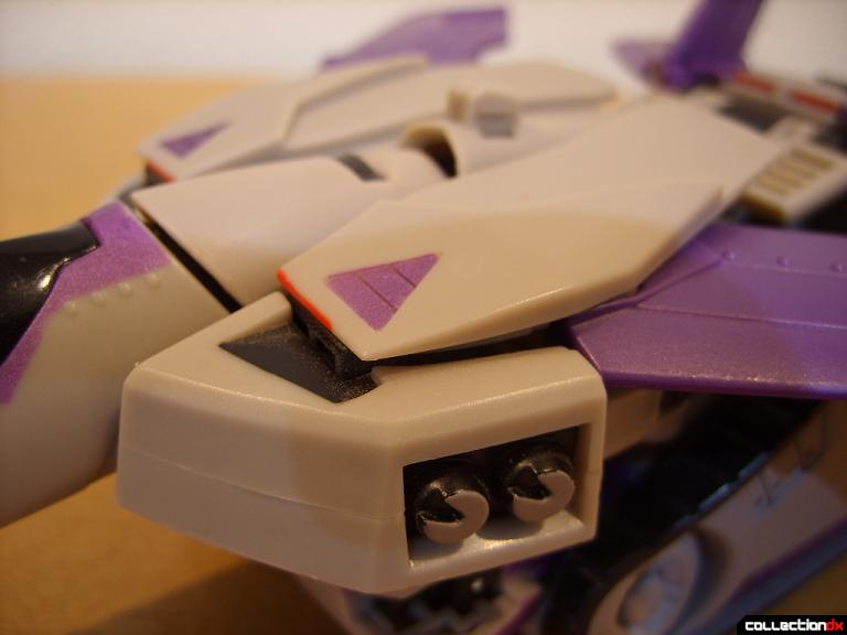 Voyager-class Decepticon Blitzwing- jet mode (body detail)