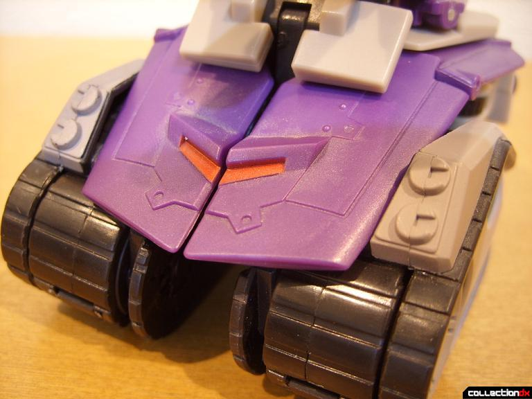 Voyager-class Decepticon Blitzwing- tank mode (front detail)