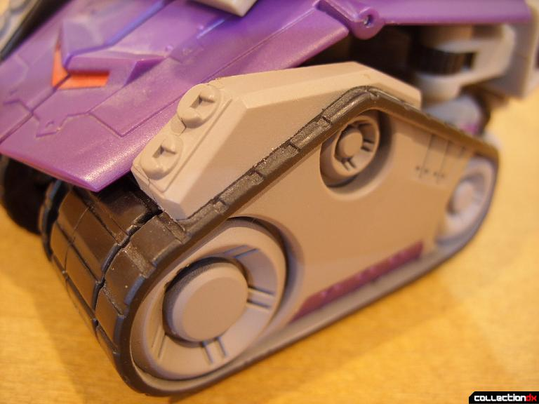Voyager-class Decepticon Blitzwing- tank mode (left tractor tread)