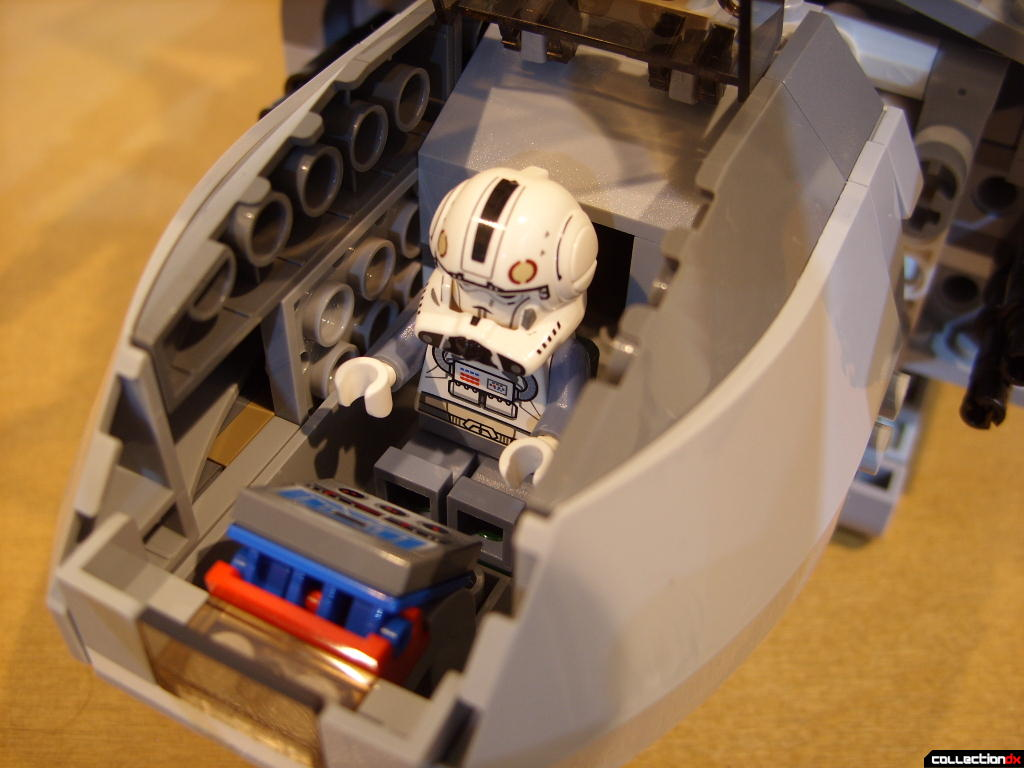 Emperor Palpatine's Shuttle (cockpit with Clone Pilot)