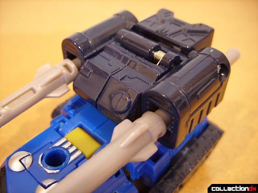 Scout-class Autobot Scattorshot- vehicle mode (missile turret)
