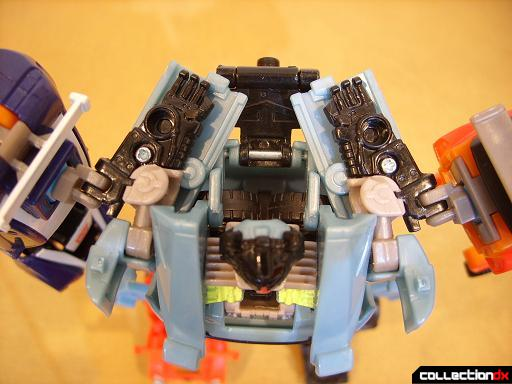 Autobot Double Clutch with Rallybots- Commander Mode (shoulders are always angled backwards)