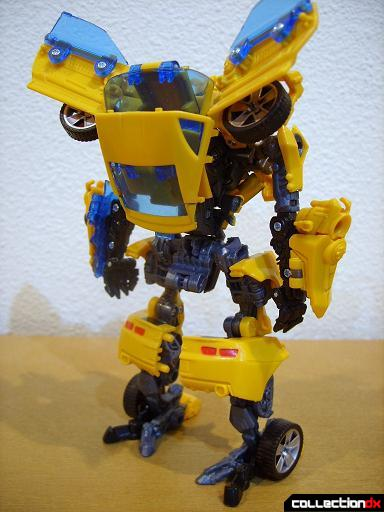 Deluxe-class Battle Blade Bumblebee - robot mode (back)