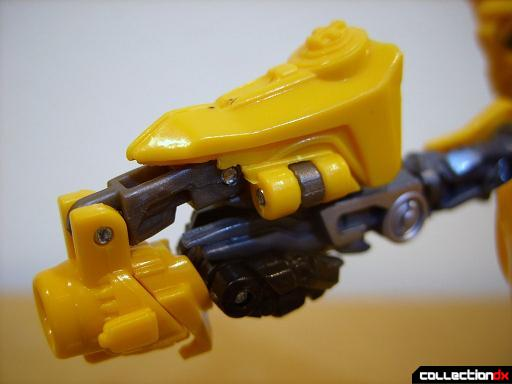 Deluxe-class Battle Blade Bumblebee - robot mode (blaster, left side)