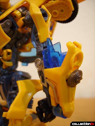 Deluxe-class Battle Blade Bumblebee - robot mode (left arm)
