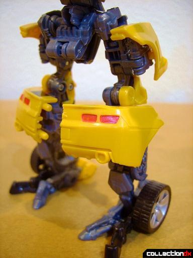 Deluxe-class Battle Blade Bumblebee - robot mode (legs, back)