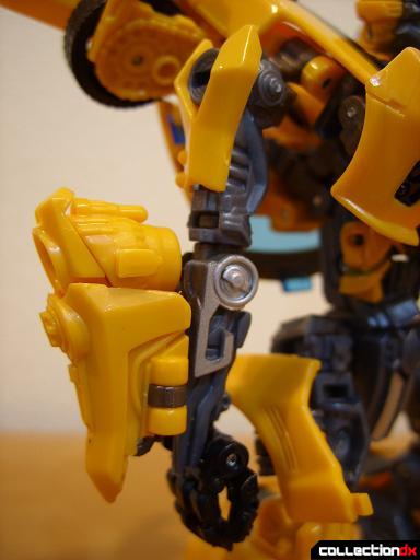 Deluxe-class Battle Blade Bumblebee - robot mode (right arm)