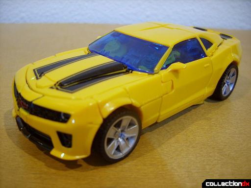 Deluxe-class Battle Blade Bumblebee - vehicle mode (front)