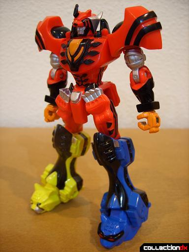 Retrofire Jungle Pride Megazord (front)