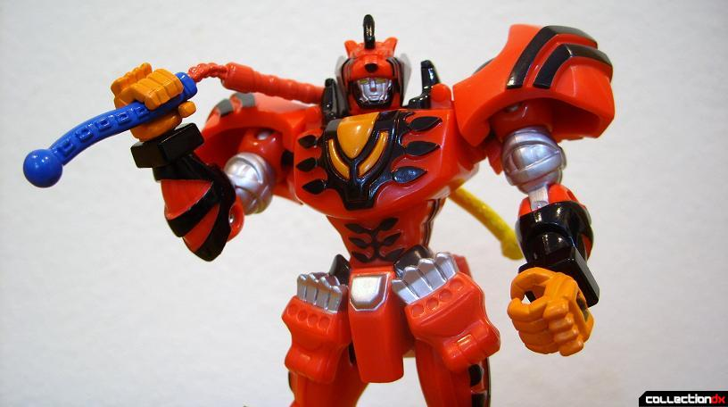 Retrofire Jungle Pride Megazord posed (3)