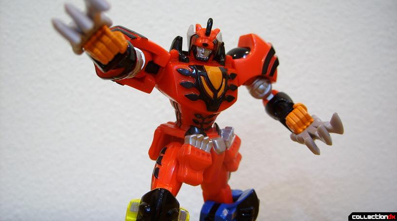 Retrofire Jungle Pride Megazord posed (5)
