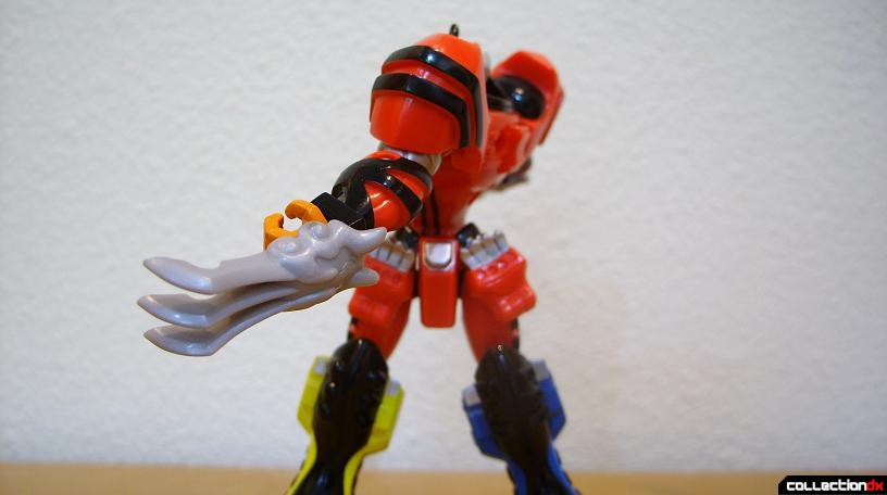 Retrofire Jungle Pride Megazord- Savage Spin attack (3)