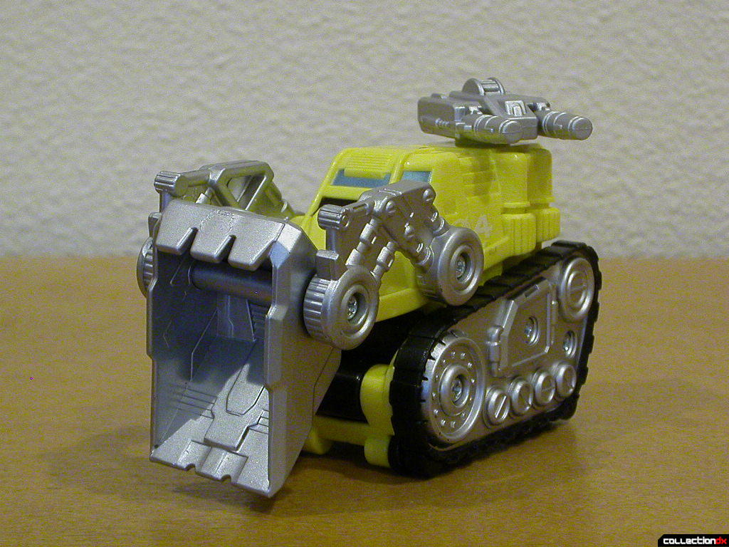 Dozer Driver Zord- bucket and turret posed