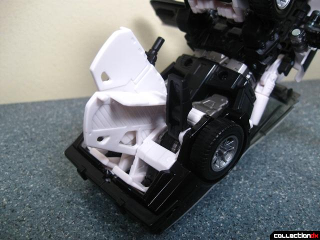 masterpiece prowl 17