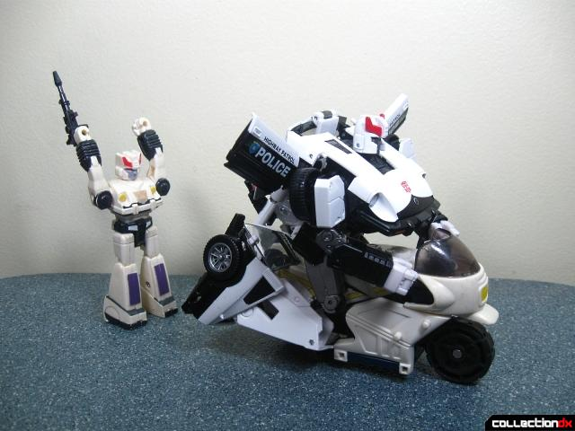 masterpiece prowl 49