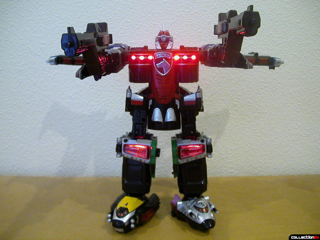 DX Tokusou Gattai DekaWing Robo posed