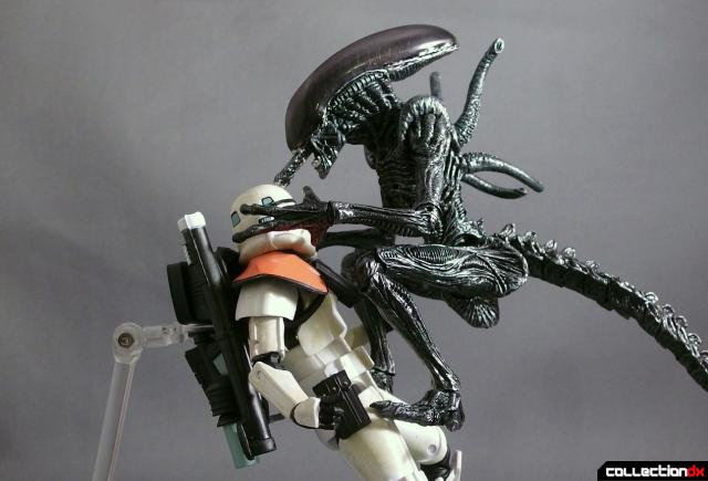 monsterarts alien warrior 12