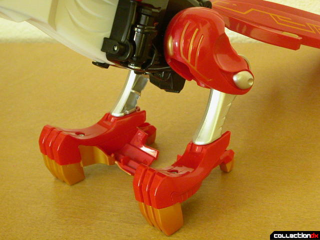 Power Animal Gao Falcon- leg & claw detail