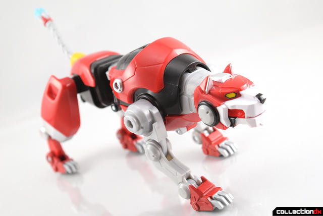 Voltron-Legendary-Red-Lion-13